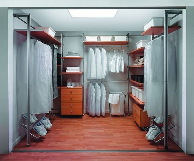 aristo-closet6