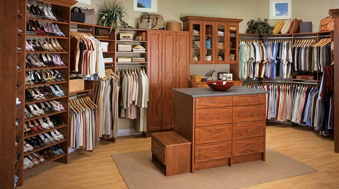 beautiful-walk-in-closet2