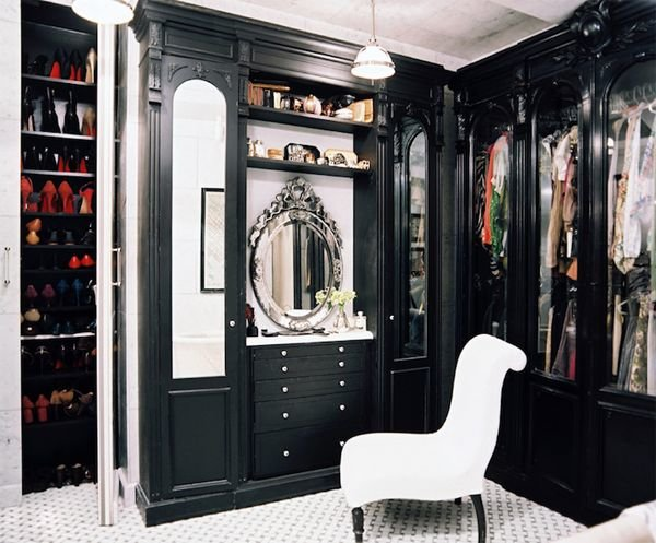 black-walk-in-closet2