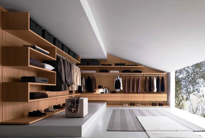 brown-walk-in-closet3