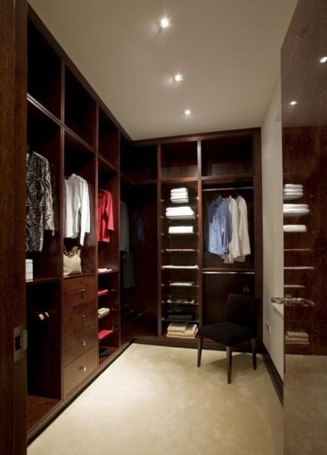 brown-walk-in-closet5