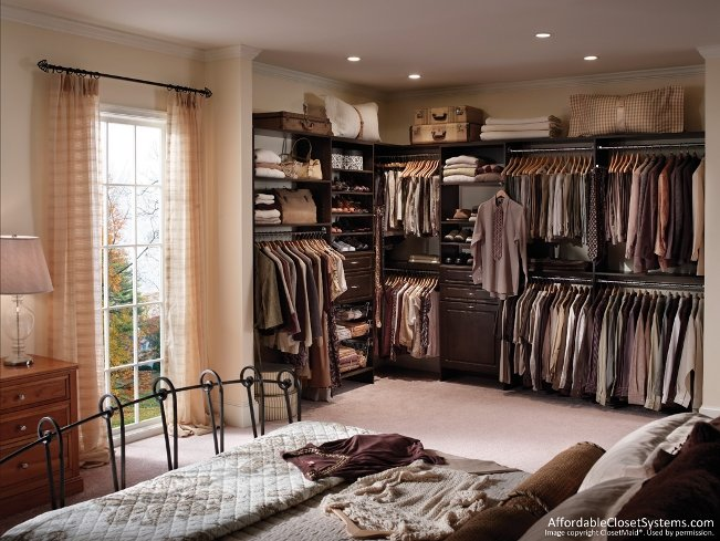 brown-walk-in-closet6