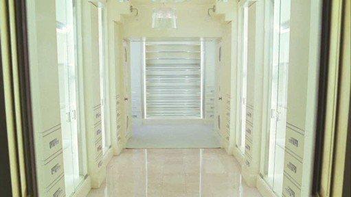 carrie-bradshaw-closet9