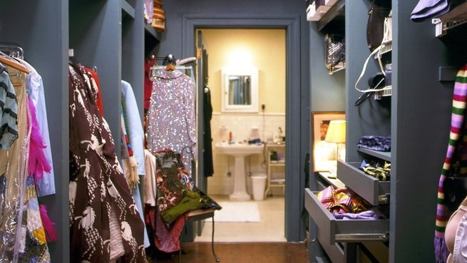carrie-bradshaw-closet11
