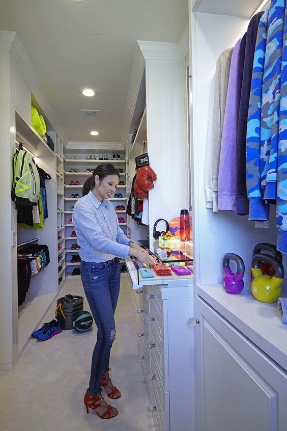celebrities-walk-in-closet7