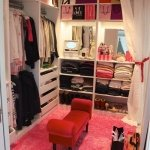 colorful-walk-in-closet3