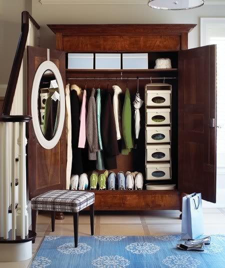 entryway-closet9