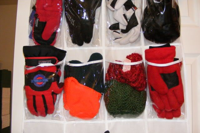 gloves-storage6
