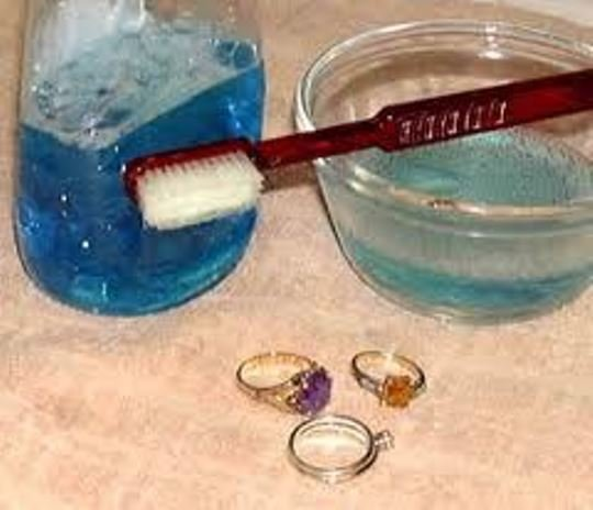 how-to-clean-jewelry