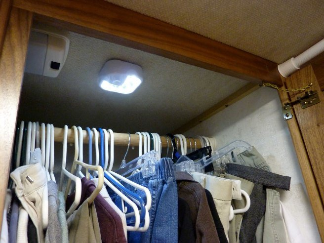 lighting-closet7