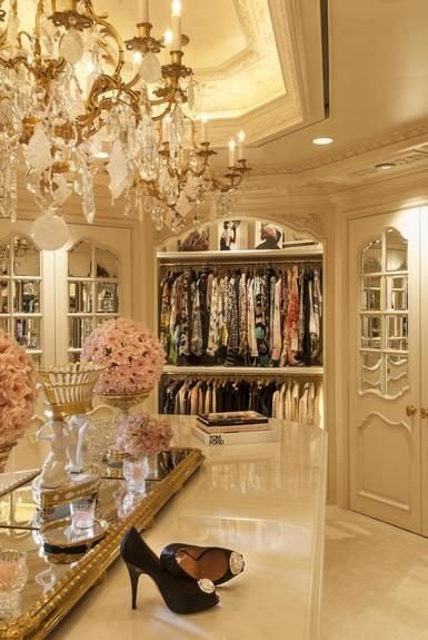 luxurious-walk-in-closet4