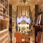luxurious-walk-in-closet3