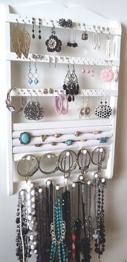 organized-jewelry-accessories1.jpg
