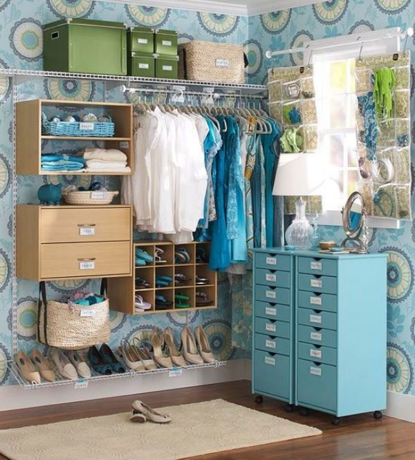 organized-walk-in6
