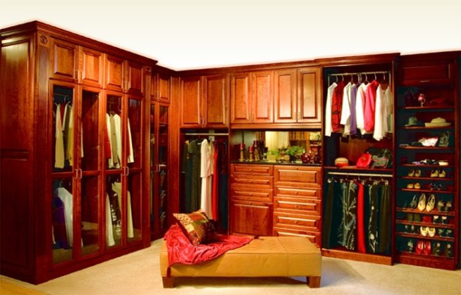 teenage-walk-in-closet6