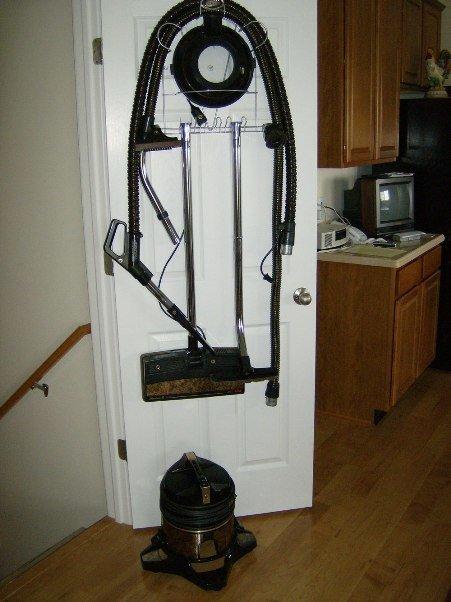 vacuum-cleaner-storage2