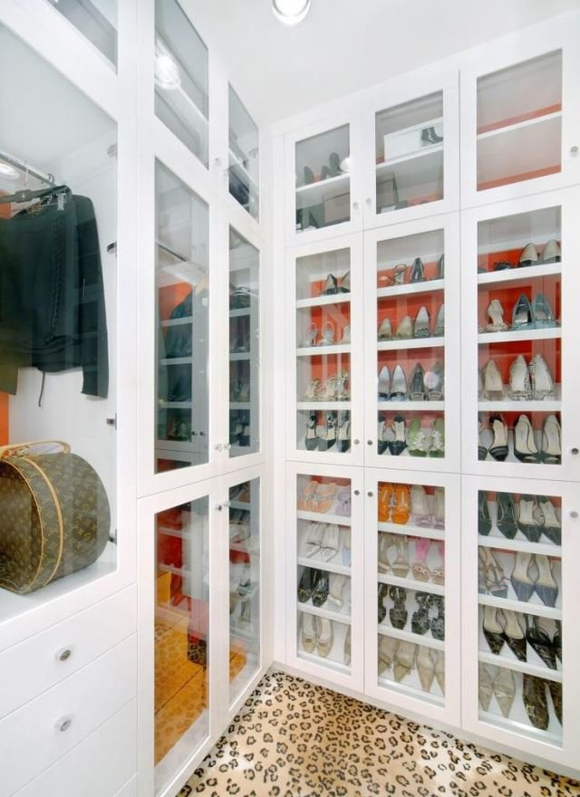 walk-in-closet-floor-pattern