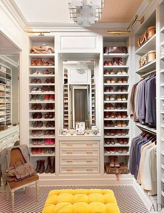 walk-in-closet-linoleum-floor1