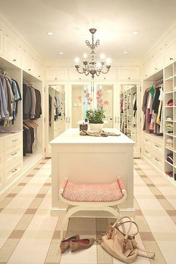 walk-in-closet-linoleum-floor7