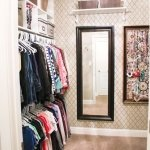 walk-in-closet-mirror-wall1