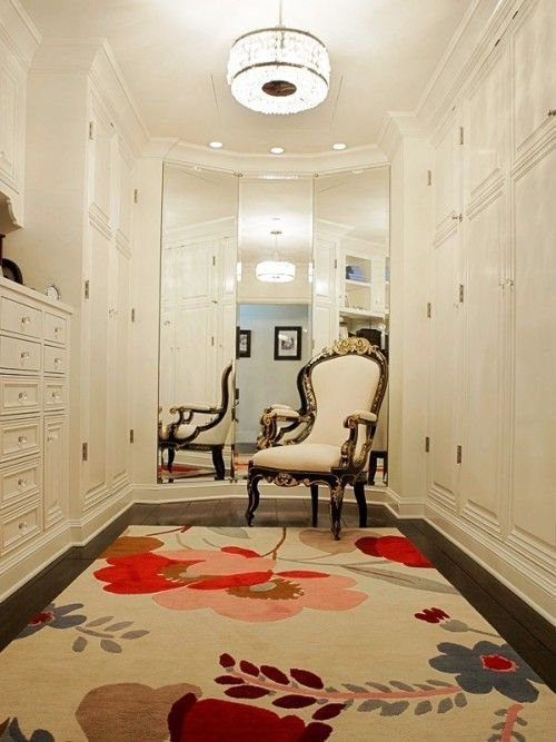 walk-in-closet-mirror-wall4