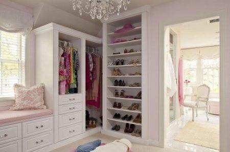 Фото гардеробной комнаты белого цвета