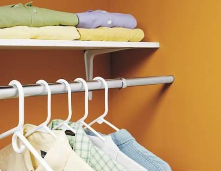 Фото штанги для вешалок в гардеробной