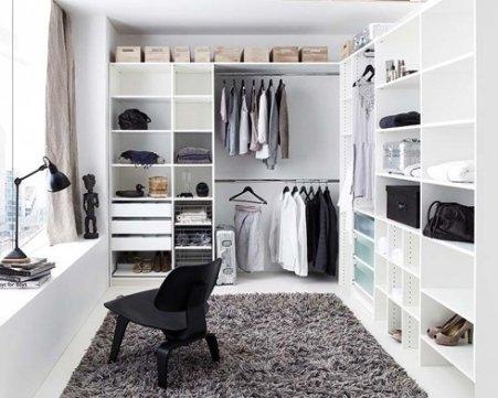 Фото пушистого ковра в гардеробной